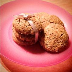 """Paleo mézmentes """"mézes"""" puszedli és diógolyó (kókuszgolyó) recept ~ Éhezésmentes Karcsúság Szafival Paleo Dessert, Rolls, Snacks, Cookies, Cake, Food, Crack Crackers, Pie Cake, Biscuits"""
