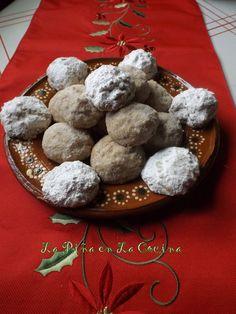 Polvorones de Nuez- Mexican Wedding Cookies