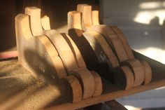 Easy Diy Shelf Brackets & Wood Shelf Crafted From Reclaimed Wood