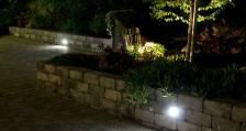 #utelys #in-lite #asak @asak_miljostein Fountain, Sidewalk, Outdoor Decor, Plants, Home Decor, Patio, Decoration Home, Room Decor, Side Walkway