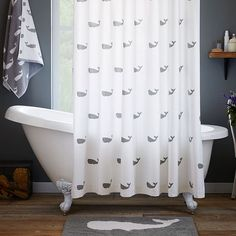 Ordinaire Made Of Hand Tufted Terry, The Whale On This Bath Mat Adds A Nautical Touch  To Your Daily Shower.
