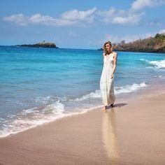 "Sofie Valkiers no Instagram: ""Long beach walks are my favourite  #virginbeach #bali"""