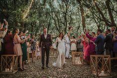 Burgundy wedding / wedding floral decoration wedding of Tiffany & Damien in Italy. Wedding in a beautiful venue in Italy full of romance by noces italiennes #emotion#emotionalmoment#emotionalbrid#discourt#talk #friendstalk #familytalk#wedding #magic #naturewedding #weddinplanner#fun#fairepartmaraige#colorsinature#photobooth#puglia#thisispuglia #love#light #italy #puglia #champetre #weddingcake #flowerdecoration#kiss #lovetolove #couplegoal #weddingoal