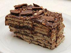 Receita de Bolo Russo Gelado - A Mais Famosa - bolo para que tenha um acabamento mais requintado, corte os bolos em pedaços do tamanho da vasilha em camadas finas, coloque um pouco de recheio...