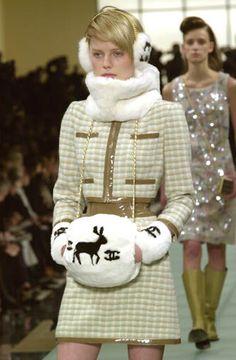 7c77b1f40 Chanel - Ready-to-Wear - Fall / Winter 2001 Alternatívna Móda, Couture