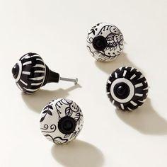 Black + White Knobs