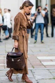 Find tips and tricks, amazing ideas for Miroslava duma. Discover and try out new things about Miroslava duma site Style Work, Look Street Style, Street Chic, Style Me, Casual Chic Style, Estilo Glamour, Inspiration Mode, Miroslava Duma, New Fashion