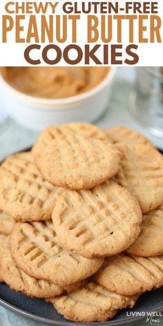 Gluten-Free Peanut Butter Cookies Chewy Gluten-Free Peanut Butter Cookies - I'd never guess this easy recipe is gluten-free - it's SOOO good!Chewy Gluten-Free Peanut Butter Cookies - I'd never guess this easy recipe is gluten-free - it's SOOO good! Cookies Sans Gluten, Dessert Sans Gluten, Gluten Free Sweets, Gluten Free Cooking, Dairy Free Recipes, Easy Gluten Free Cookies, Gluten Free Deserts Easy, Gluten Free Biscotti Recipe, Gluten Free Lunches