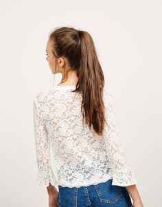 Camiseta blonda manga campana - Tops - Bershka España - Islas Canarias