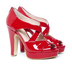 Arielle lipstick red peep toe platform I love these shoes! Red Pumps, Red Heels, Cute Shoes, Me Too Shoes, Fab Shoes, Dorothy Shoes, Ruby Red Slippers, Shoe Boots, Shoe Bag