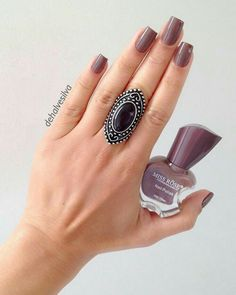 Elegant Nails, Beautiful Hands, Summer Nails, Pretty Nails, Gemstone Rings, Nail Designs, Hair Beauty, Nail Polish, Make Up