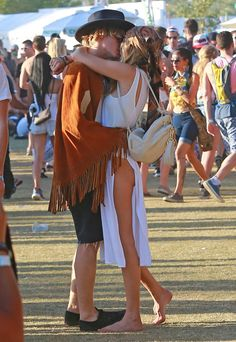 Cody Simpson and Gigi Hadid were one of the hottest couples at Coachella! Click through to see who else brought on sweet PDA.