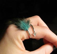 Arrow feathered ring