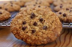 Lowfat Chocolate Chip Oatmeal Cookies
