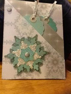 Festive Double Angle Pocket Card #SU Festive Flurries stamps and Framelits and Winter Frost DSP