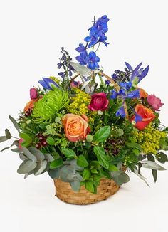 Battlefields Flower & Gift Delivery for all occasions. Whether you are looking for luxury or budget, our flower shops have what you are looking for. South Africa, Your Favorite, Gift Delivery, Floral Wreath, Basket, Wreaths, Seasons, Bouquets, Flowers
