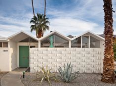 Park Imperial South, By Chimay Bleue. Architect: Barry A. Berkus (1960), Location: Palm Springs, CA. Mid-Century Modern.