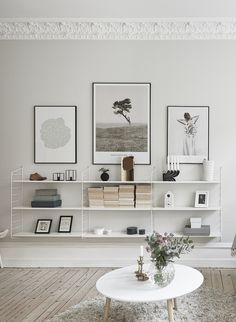 Home deco white shelves Decoration Inspiration, Room Inspiration, Interior Inspiration, Decor Ideas, Room Ideas, Wall Ideas, Home Living Room, Living Room Decor, Living Spaces