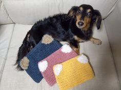 【百均毛糸で!】超簡単!被るだけで猫耳♡帽子を編んでみよう!|LIMIA (リミア) Straw Bag, Blanket, Crochet, Bags, Handbags, Chrochet, Taschen, Rug, Crocheting