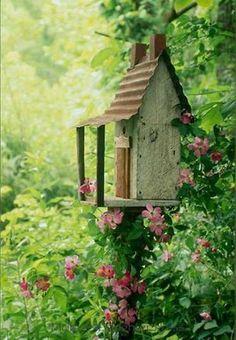Beautiful Birdhouse Design and Ideas 10