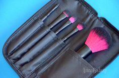 Anna Galaxy: Coastal Scents. Кисти для макияжа Color Me Fuchsia Brush Set