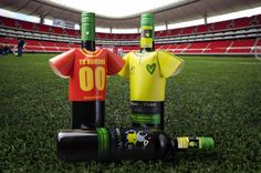 Make your own t-shirt and dress your bottle.  Beso de Vino Football Edition, a wine with Augmented Reallity experience. Cavernet Sauvignon || #BesodeVino