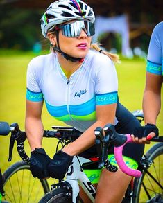 41c8c58ae Beauty   Bicycles Road Bike Women