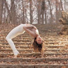 @the_southern_yogi in the #AloYoga High Waist Goddess Legging #yoga #inspiration