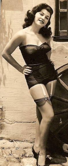 A beautiful girl in beautiful lingerie! 1940s lingerie garters undergarments.