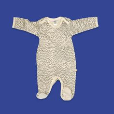 Overall – for little cuddly bears. Baby Overall, Dinosaur Stuffed Animal, Overalls, Fur, Designs, Animals, Babys, Buttons, Baby Needs