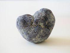 Pierre en forme de coeur pour offrir ou décorer