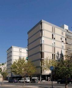 """""""Antonio Rueda"""" Housing, Valencia (Spain) 1965-1970 architects: Vicente Valls Abad, Joaquín García Sanz, Luís Marés Feliu"""