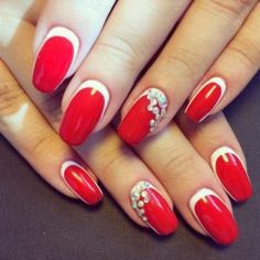 Super French Manicure Red New Years Ideas Popular Nail Designs, Holiday Nail Designs, Red Nail Designs, Best Nail Art Designs, Beautiful Nail Designs, Two Color Nails, Nail Colors, Xmas Nails, Red Nails