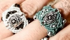 cosy rose micro macrame ring with beads and weaving Macrame Rings, Macrame Necklace, Macrame Knots, Macrame Jewelry, Macrame Bracelets, Diy Jewelry, Loom Bracelets, Crochet Buttons, Wire Crochet