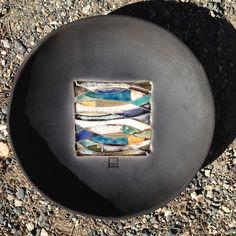 centro tavola con pesci impressi in ceramica raku