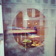 Window peek