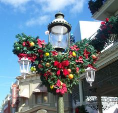 Disney Christmas Wreath - www.magicalkingdomvacations.com