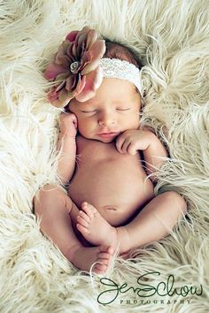 Adorable newborn Pho