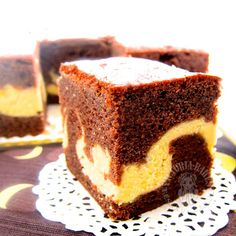 Baking's Corner: Butter chocolate cheese cake ~ 巧克力黄油奶酪蛋糕 - by Victoria Moon Kua Cake Cookies, Cupcake Cakes, Food Cakes, Mini Cakes, Asian Cake, Marble Cake Recipes, Chocolate Butter, Chocolate Cakes, Homemade Chocolate