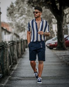 Good shoes take you good places. Eureka Shoes, Fashion Story, Spring Outfits, Sneakers, Casual Wear, How To Make, How To Wear, Hipster, Mens Fashion