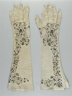 Paire de gants, France, fin XVIIe-début XVIIIe siècle - Ecouen, Musée National de la Renaissance