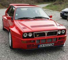 Lancia - Autos - - New Ideas Lancia Delta, Retro Cars, Vintage Cars, Van 4x4, Carros Suv, Sweet Cars, Alfa Romeo, Rally Car, Amazing Cars