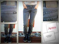 #JEANS #AYRES  Talle: W27 Corte: recto con expandex Color: gris Bragueta con cierre Largo de pierna: 81 cm Ancho de cintura: 38 cm 2 bolsillos al frente/2 atrás $150