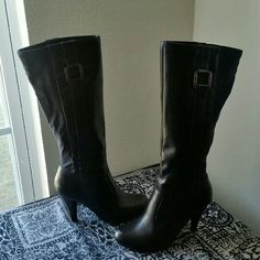 """ANDREW GELLER.....STUNNING BLACK HEEL ..BOOTS. EXCELLENT CONDITION. .. ......LIKE NEW.... ......NO FLAWS... ......MAN MADE UPPER LEATHER. ......STUNNING GORGEOUS  ......true to its size and color.. ......BACK  of boots it's  like rayon elastic material . ......2 pic they have on sides cute deco square  .......stud ....silver color... .. ....zipper on sides . .......4 pic you can see they have normal wear.... .......better.in person. ......HEEL 4"""". ANDREW GELLER Shoes Heeled Boots"""