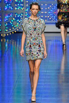 http://www.beadshop.com.br/?utm_source=pinterestutm_medium=pintpartner=pin13 Vestido com strass Dolce  Gabbana