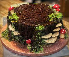 Pretty Birthday Cakes, Pretty Cakes, Cute Cakes, Frog Cakes, Cupcake Cakes, Moss Cake, Mushroom Cake, Woodland Cake, Cute Desserts