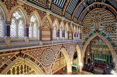 Tour of Butterfield's All Saints, Margaret Street with @Smarthistory https://www.khanacademy.org/humanities/becoming-modern/Victorian-art-architecture/pre-raphaelites/v/william-butterfield-all-saints-church-margaret-street… @thevicsoc @TheSAHGB