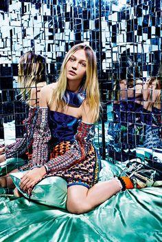 Sasha Pivovarova   Vogue Italia 'A Stylish Excess', February 2015. Check out the t-shirt inspired by the Russian model Sasha Pivovarova at www.miout.es