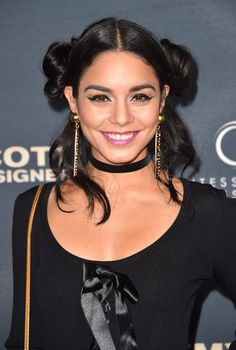 Vanessa Hudgens Pigtail Buns - Home Cabelo Vanessa Hudgens, Hair Inspo, Hair Inspiration, Vanessa Rose, Pigtail Buns, Selfies, Celebrity Singers, Church Fashion, Celebrity Hairstyles