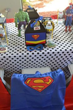 Place setting at a superhero birthday party! See more party planning ideas at… Superman Party, Superman Birthday, Superhero Birthday Cake, Avengers Birthday, Superhero Party, Little Man Birthday, Birthday Boys, Summer Birthday, 3rd Birthday Parties